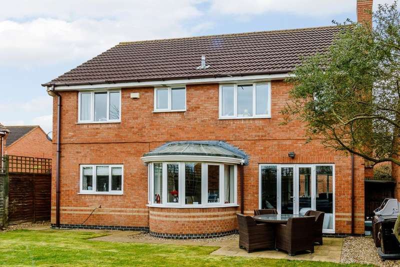 4 Bedrooms Detached House for sale in Croxden Way, Bedford, Bedfordshire, MK42 9FW