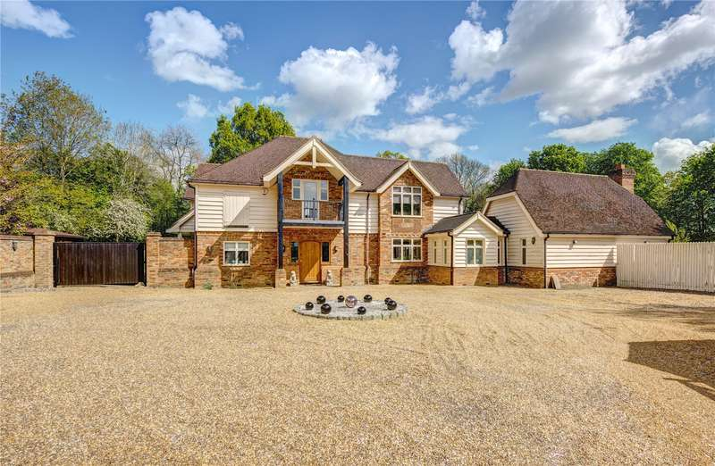 6 Bedrooms Flat for sale in Bottom Lane, Seer Green, Buckinghamshire, HP9
