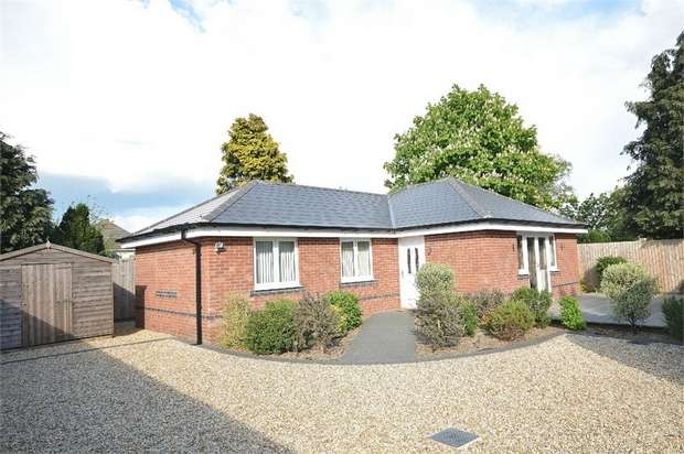 2 Bedrooms Detached Bungalow for sale in Parley Road, Bournemouth, Dorset