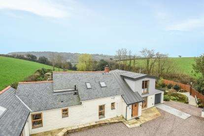 4 Bedrooms Detached House for sale in Gweek, Helston, Cornwall