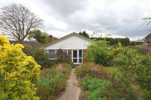 3 Bedrooms Bungalow for sale in Hailsham Road, Heathfield, East Sussex