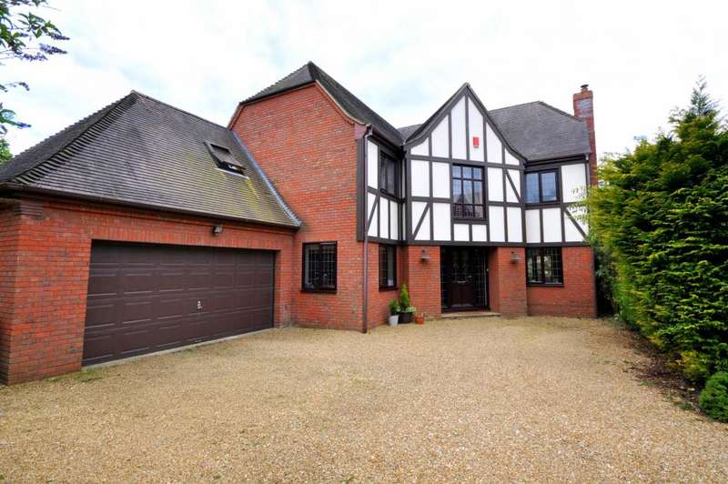 4 Bedrooms Detached House for sale in Ashley, Ringwood, BH24 2BG