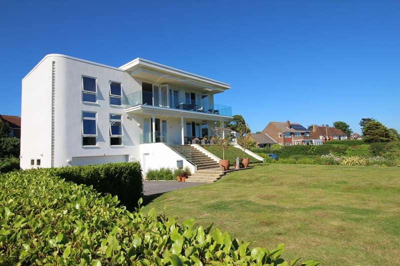 5 Bedrooms Detached House for sale in Barton Common Road, Barton on Sea, New Milton