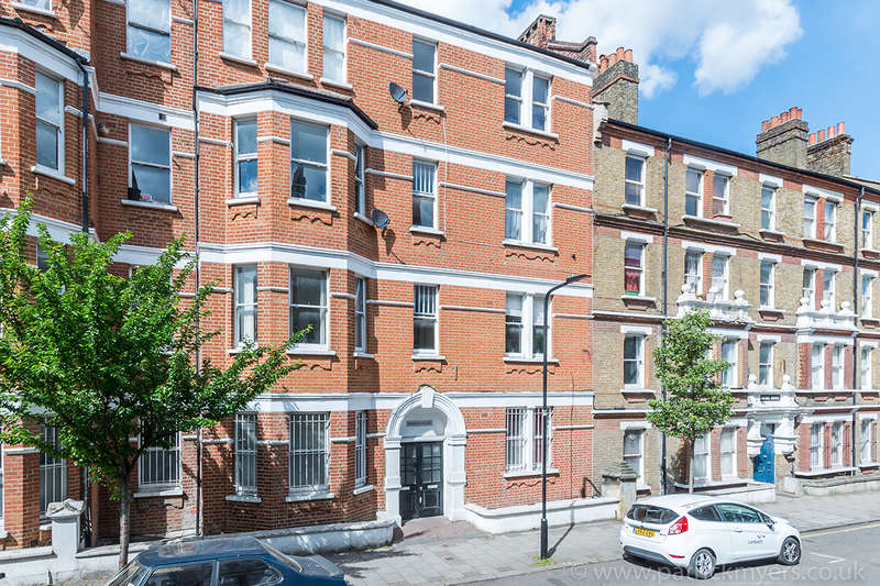 2 Bedrooms Apartment Flat for sale in Rushcroft Road, , SW2