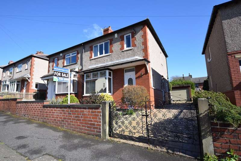 3 Bedrooms Semi Detached House for sale in Rose Avenue, Marsh