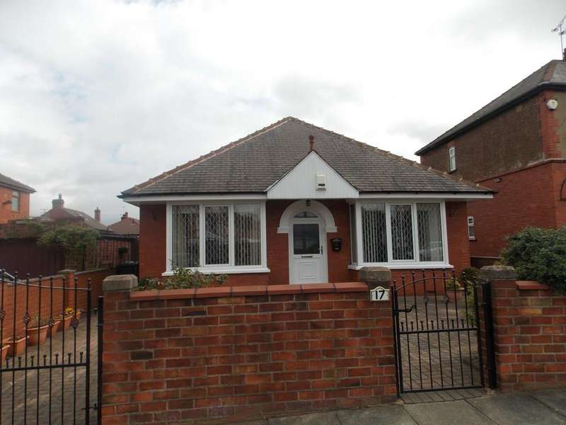 2 Bedrooms Detached Bungalow for sale in Chestnut Avenue, Wheatley Hills