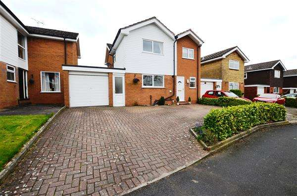 4 Bedrooms Detached House for sale in Geneva Drive, Westlands, Newcastle-under-Lyme