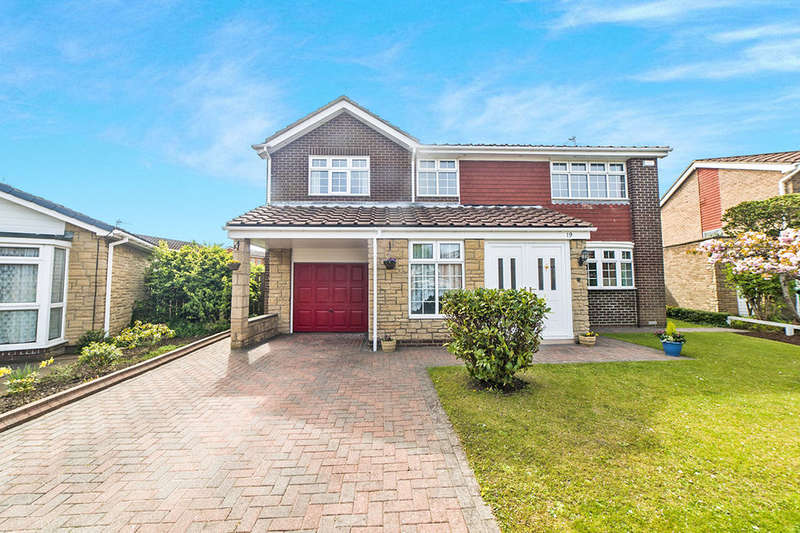 4 Bedrooms Detached House for sale in Colston Way, Beaumont Park , Whitley Bay, NE25