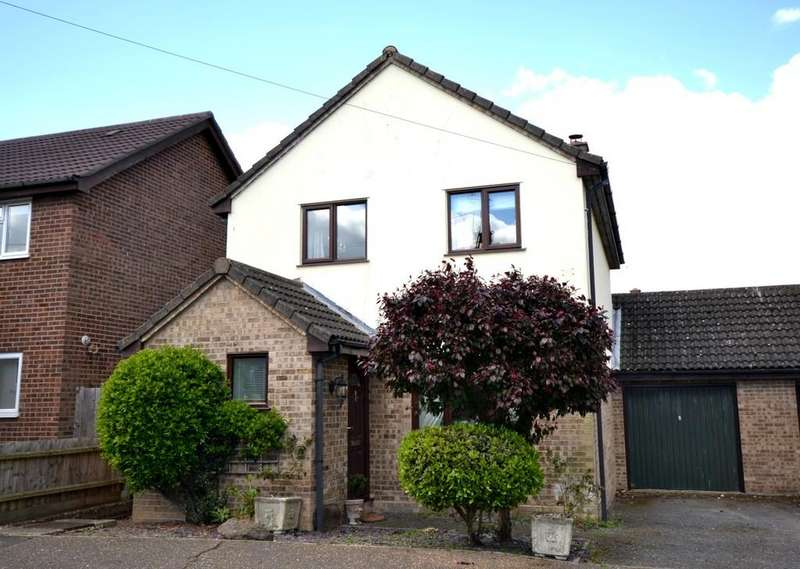 3 Bedrooms Detached House for sale in 7 Churchfields Drive, Steeple Bumpstead, Haverhill, Suffolk, CB9 8EU