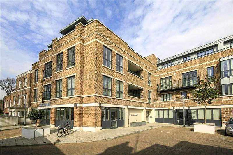 3 Bedrooms Flat for sale in Times Court, Retreat Road, Richmond, TW9