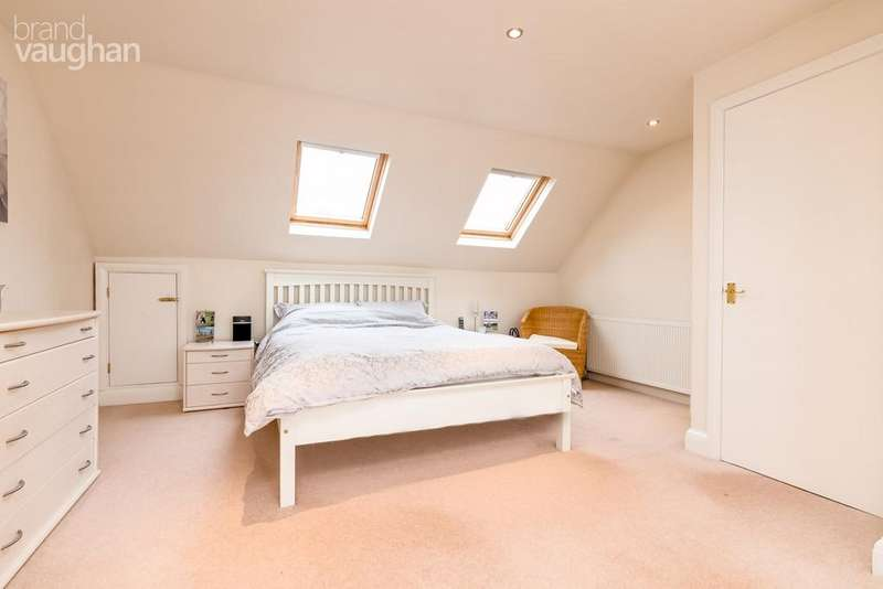 4 Bedrooms Semi Detached House for sale in Redhill Drive, Brighton, BN1