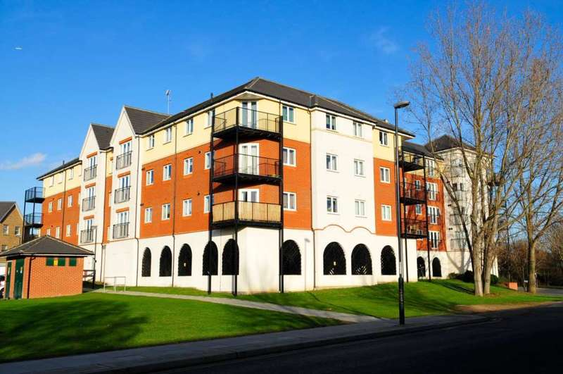 1 Bedroom Apartment Flat for sale in Long Acre House, West Thamesmead, SE28 2PA