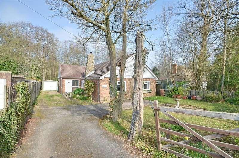 3 Bedrooms Bungalow for sale in Biddenden, Ashford