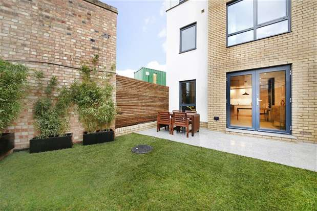 4 Bedrooms House for sale in Somers Place, Brixton
