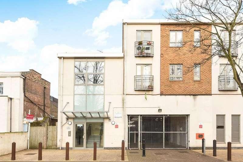 1 Bedroom Flat for sale in Elm Grove, Peckham, SE15
