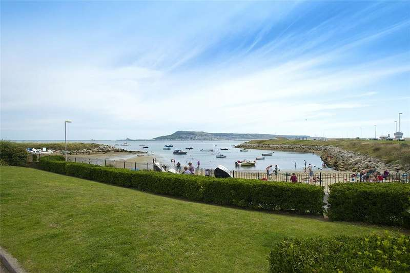 2 Bedrooms Apartment Flat for sale in Wyke Regis, Weymouth, Dorset