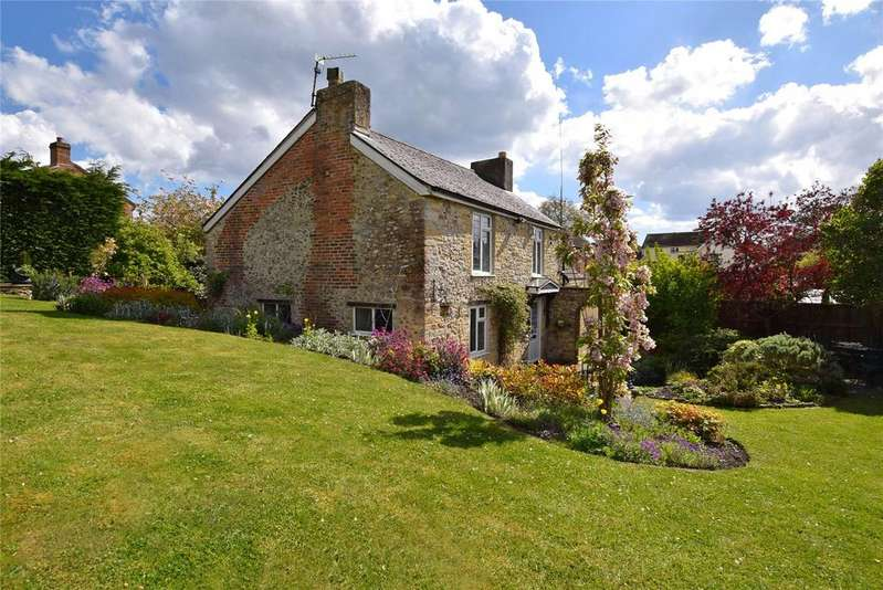 3 Bedrooms Detached House for sale in Musbury Road, Axminster, Devon