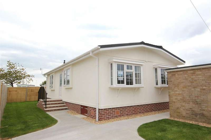 2 Bedrooms Detached Bungalow for sale in Field Place, Christchurch Road, New Milton, Hampshire, BH25