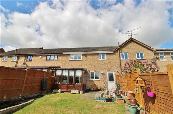 3 Bedrooms Terraced House for sale in Hazelwood Drive, Gonerby Hill Foot, Grantham