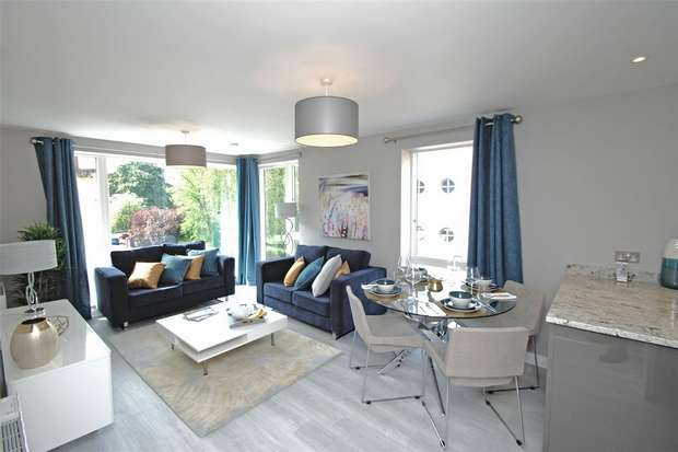 2 Bedrooms Flat for sale in Dean Street, Bristol