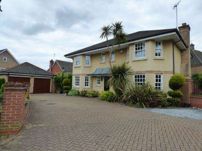 5 Bedrooms Detached House for sale in Billericay, Essex