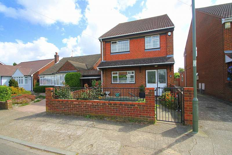 3 Bedrooms Detached House for sale in Hughes Road, Ashford, TW15