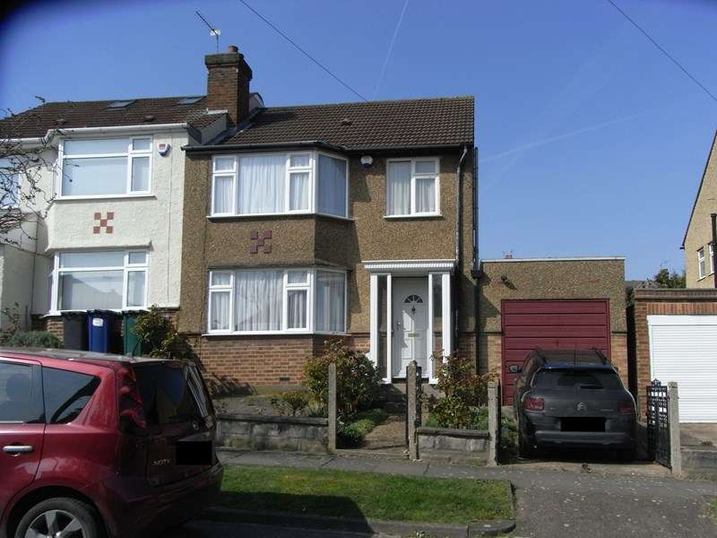 3 Bedrooms Semi Detached House for sale in Elton Avenue, Barnet