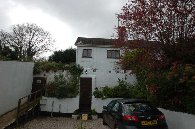 3 Bedrooms Semi Detached House for sale in Stoke Road, Stokeinteignhead