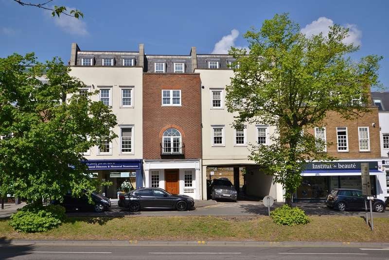 1 Bedroom Flat for sale in Esher