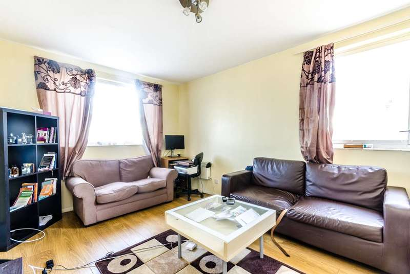 1 Bedroom Flat for sale in Porchester Mead, Beckenham, BR3