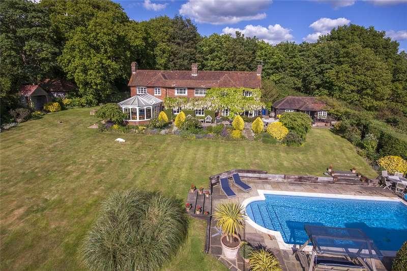 4 Bedrooms Detached House for sale in Smithwood Common, Cranleigh, Surrey, GU6