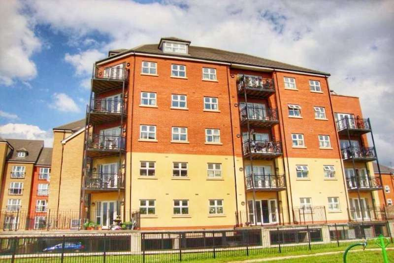 3 Bedrooms Flat for sale in Britannia House Palgrave Road, Bedford, MK42