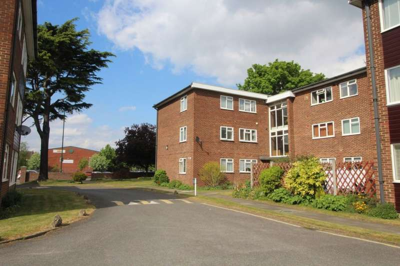 2 Bedrooms Flat for sale in Rosedene Court, Dartford, DA1