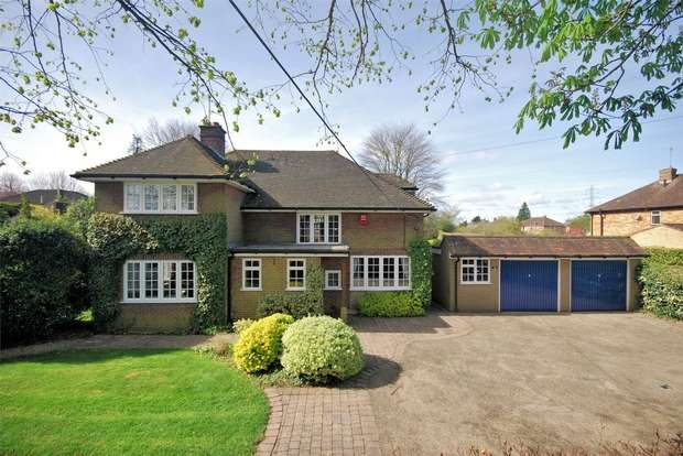 4 Bedrooms Detached House for sale in Dobbins Lane, Wendover, Buckinghamshire
