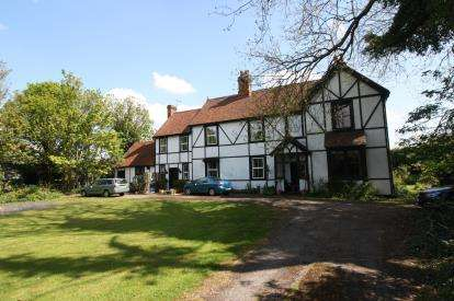 5 Bedrooms House for sale in Mayland, Chelmsford, Essex