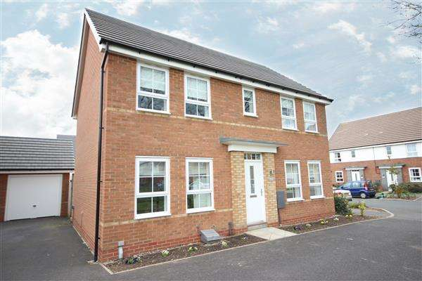 4 Bedrooms Detached House for sale in Pipers View, ST3, Stoke-on-Trent