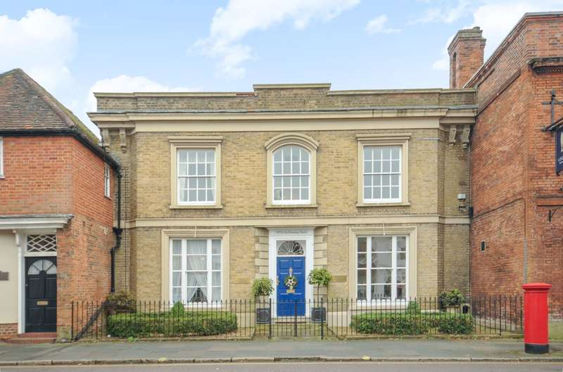 3 Bedrooms Terraced House for sale in Farnham