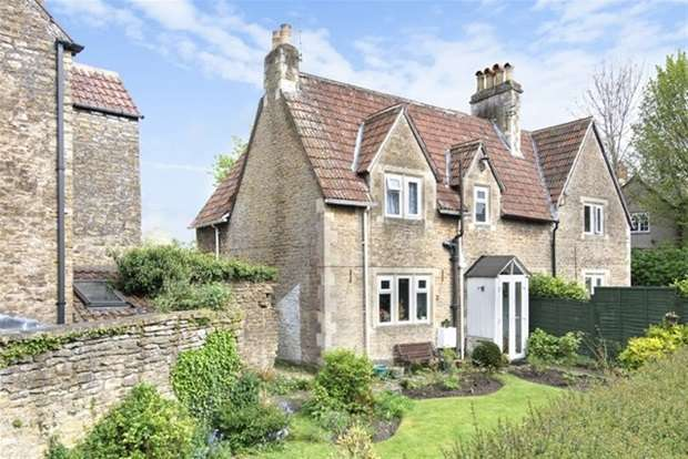 2 Bedrooms Terraced House for sale in Rodden Road, Frome