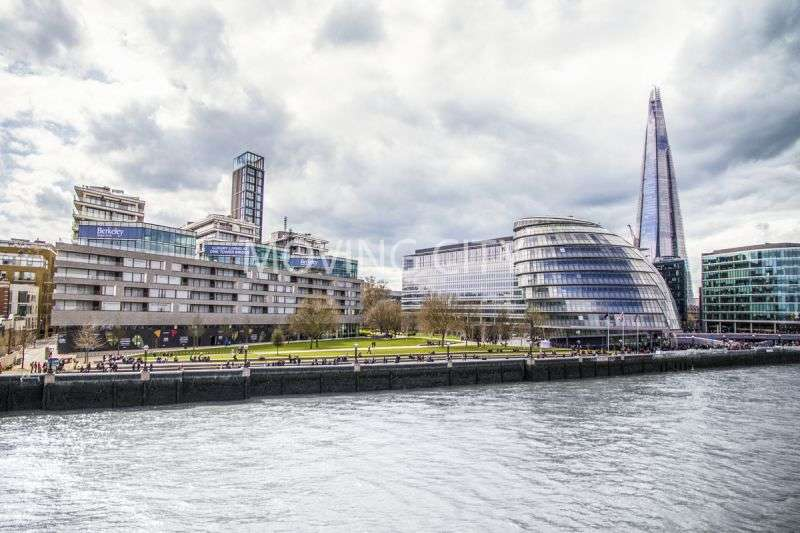 1 Bedroom Flat for sale in Tudor House, One Tower Bridge, SE1