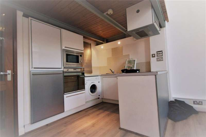 2 Bedrooms Apartment Flat for rent in Crusader House, Thurland Street, Nottingham, NG1