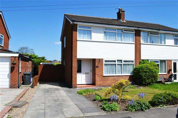 3 Bedrooms Semi Detached House for sale in Canaan, Leigh
