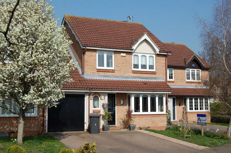 4 Bedrooms Link Detached House for sale in The Elms, Hertford SG13