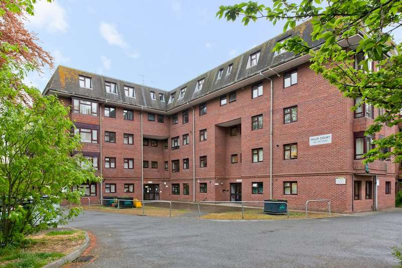 2 Bedrooms Apartment Flat for sale in Philip Court, The Drive, Hove BN3