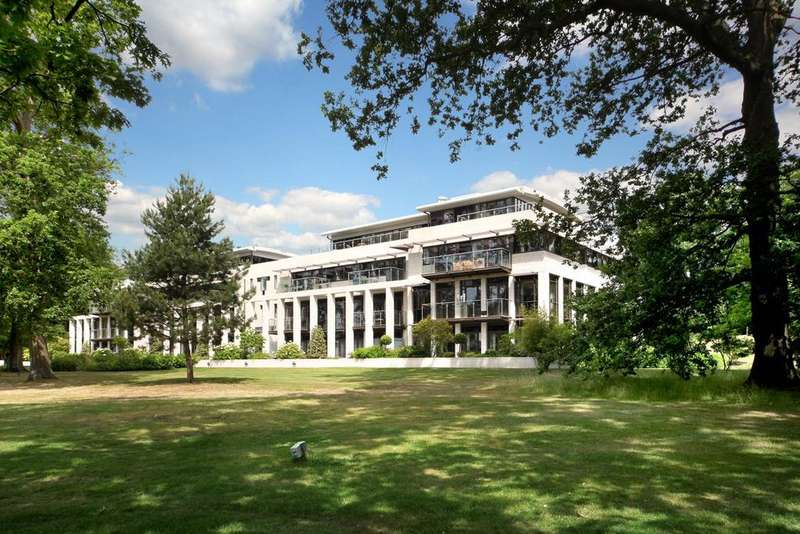 2 Bedrooms Flat for sale in Charters Garden House, Charters, Charters Road, Ascot, Berkshire