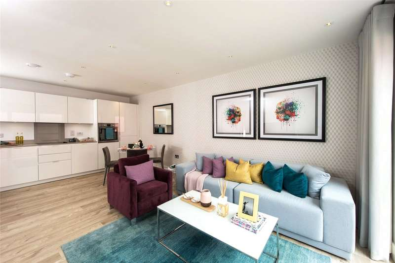 2 Bedrooms Flat for sale in Lyon Square, Lyon Road, Harrow, Middlesex, HA1