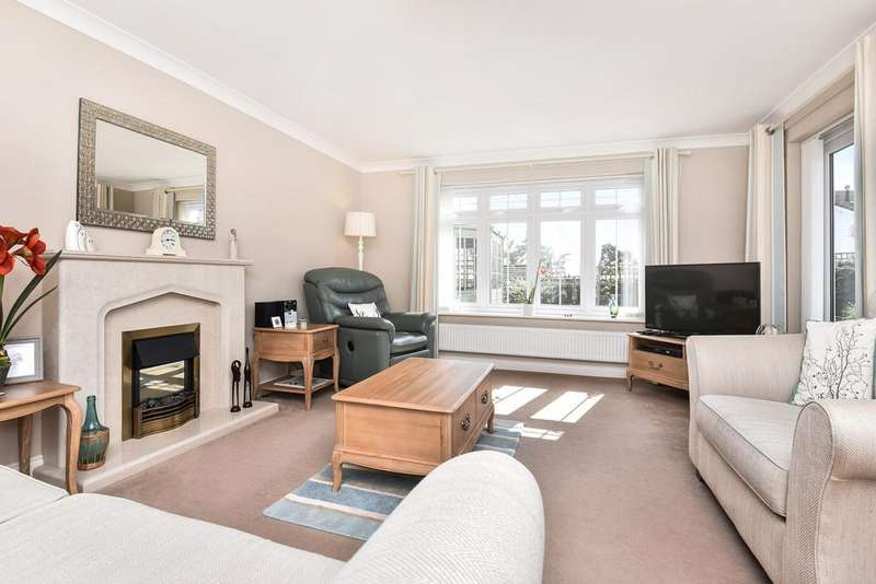 4 Bedrooms Detached House for sale in Toppesfield Park, Maidstone