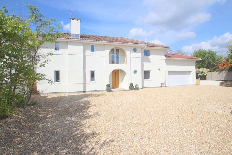 5 Bedrooms Detached House for sale in Satchell Lane, Hamble, SOUTHAMPTON