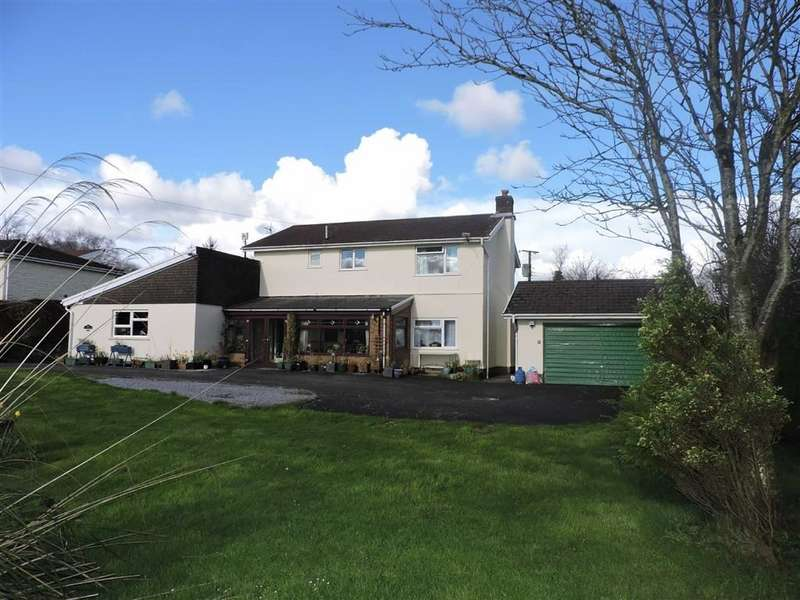 5 Bedrooms Detached House for sale in Cwmifor, Llandeilo