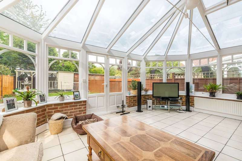 5 Bedrooms Detached House for sale in The Grove, Isleworth, TW7