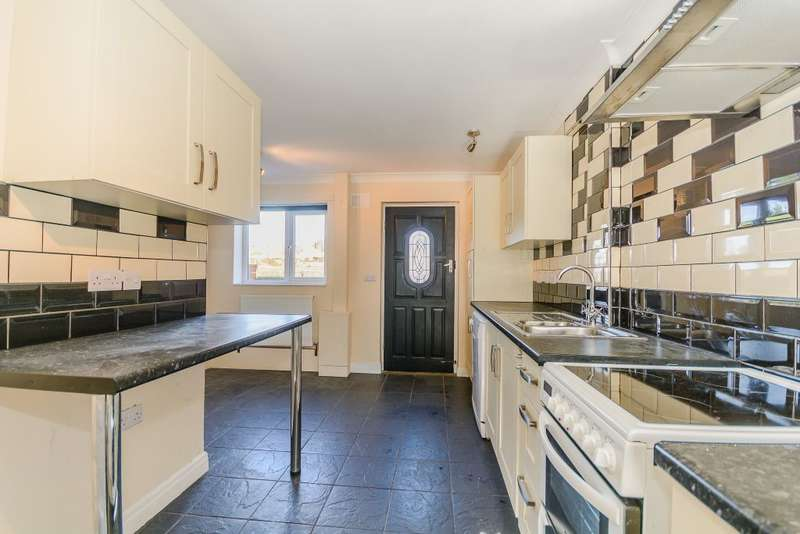 3 Bedrooms Semi Detached House for sale in Thornton Le Clay, York, Yorkshire, YO60